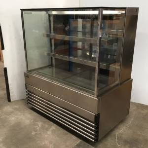 Photo of KOLDTECH REFRIGERATED CAKE DISPLAY UNIT